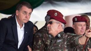 وزیر دفاع برزیل و بولسونارو رئیس جمهوری