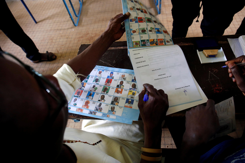 Assembleia de voto em Bamako 29/07/2018