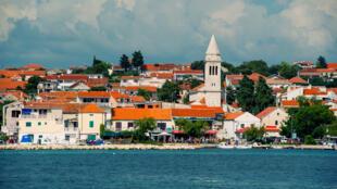 Le village de Pakostane en Croatie.