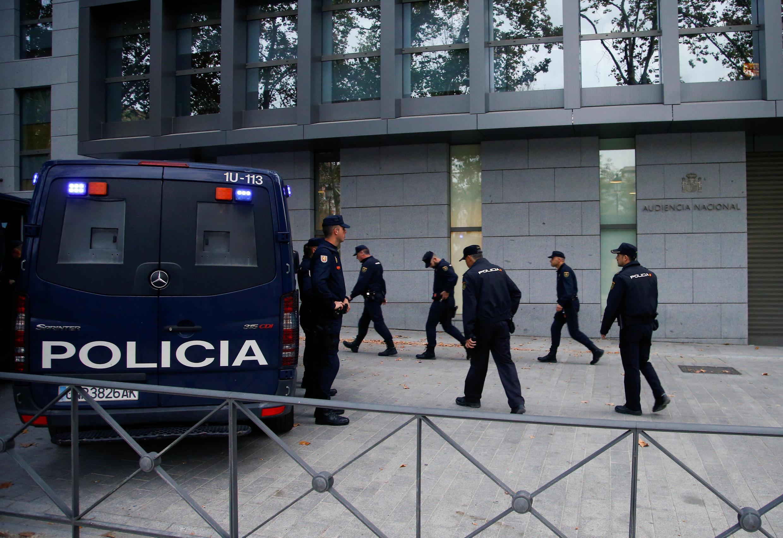 Entrada do Supremo Tribunal da Espanha, onde os membros do governo catalão destituído devem prestar depoimento.