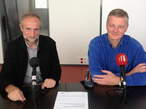De g. à d. : Serge Planton, ingénieur et responsable du groupe de recherche climatique à Météo France et Gerhard Krinner, directeur de recherche au CNRS au Laboratoire de Glaciologie et géophysique de l'environnement.