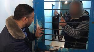 Cent dix-sept personnes sont actuellement détenues dans la prison du camp de réfugiés d'Al Shati, au nord de la ville de Gaza, qui ne comptent que trois cellules.