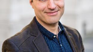 بهار کیمیونگور، روزنامهنگار، نویسنده و فعال حقوق بشر ترک ساکن بلژیک