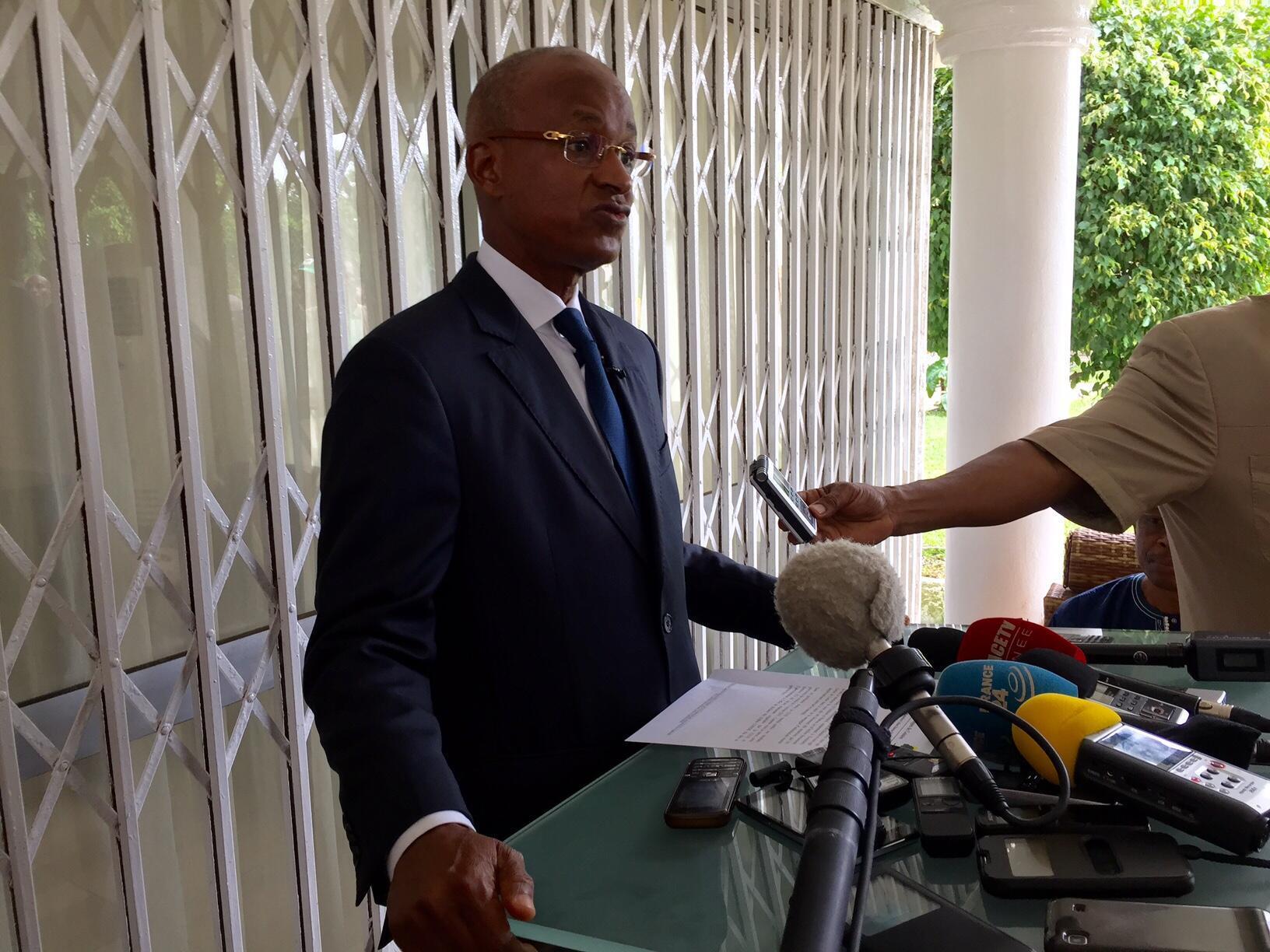 Déclaration officielle de Cellou Dalein Diallo, ce matin à son domicile, le 17 octobre 2015.