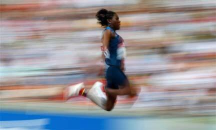L'Américaine Brittney Reese s'envole: avec 7,10 m à son 3e essai, elle est championne du monde à la longueur.