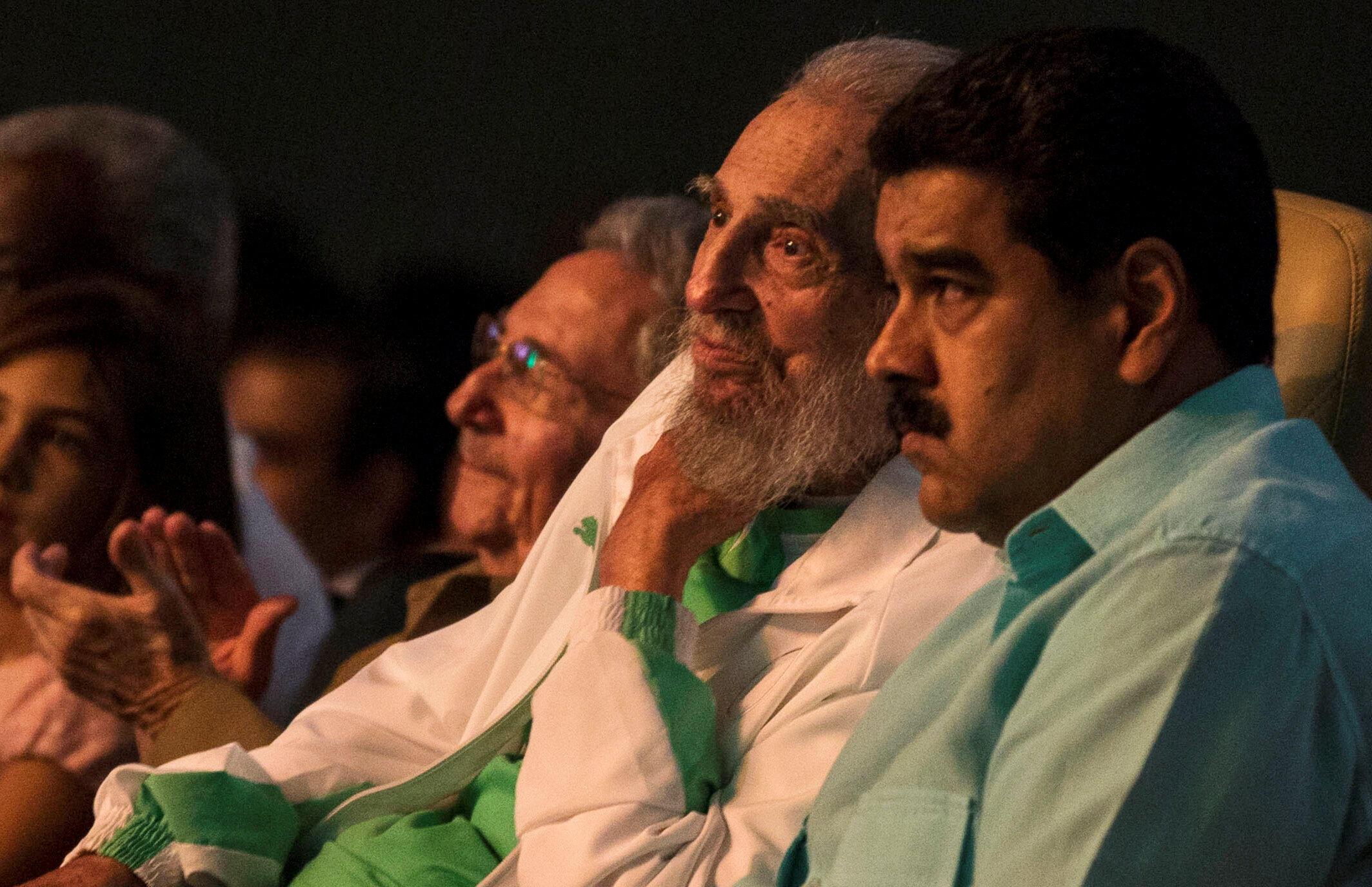 Fidel Castro (T) và tổng thống Venezuela, Nicolas Maduro, ngày 13/08/2016 nhân lễ mừng 90 tuổi của Fidel Castro.
