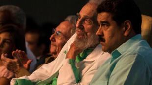 Fidel Castro aux côtés du président du Venezuela, Nicolas Maduro, samedi 13 août lors de la fête du 90e du «Lider maximo» cubain