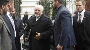Le ministre iranien des Affaires étrangères Mohammad Javad Zarif arrive à Vienne pour un déjeuner avec Catherine Ashton, en marge des négociations sur le nucléaire iranien, le 18 novembre 2014