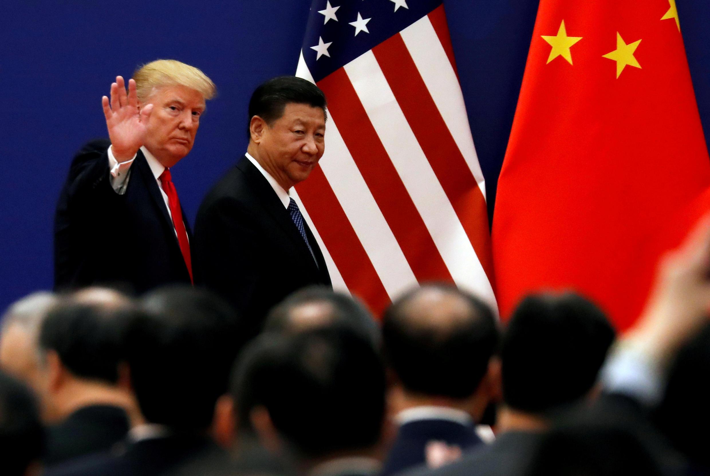 Tổng thống Mỹ Donald Trump (T) và chủ tịch Trung Quốc Tập Cận Bình tại Đại Lễ Đường Nhân Dân, Bắc Kinh, ngày 09/11/2017.