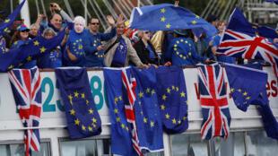 Ảnh minh họa : Biểu tình phản đối Brexit trước nghị viện ở Luân Đôn, ngày 19/08/2017.