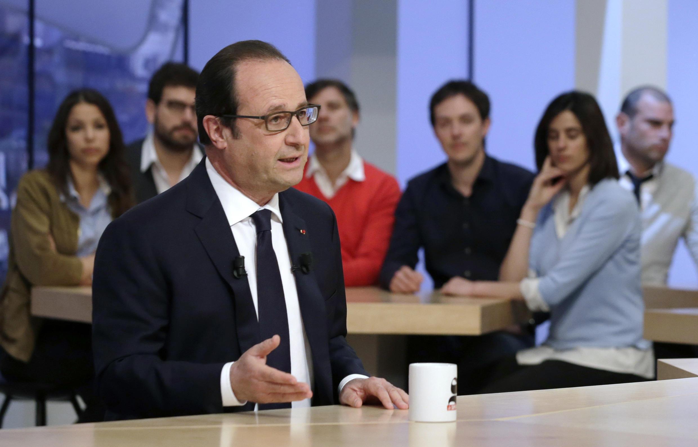 "François Hollande no programa ""Supplément "" da emissora francesa Canal +."