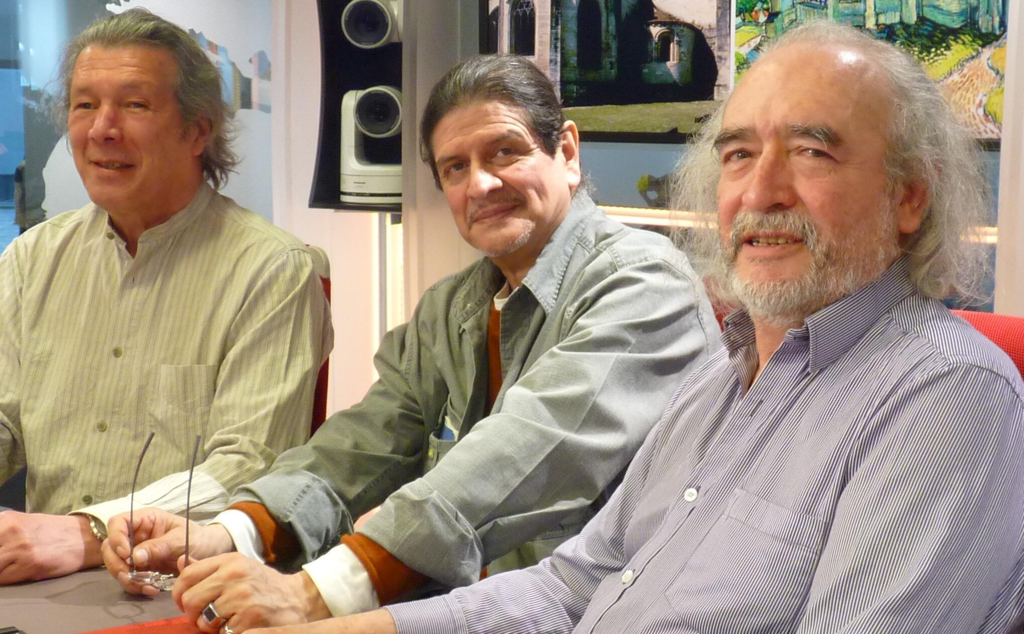 Miguel Angel Reyes, Gustavo Nieto y Jorge Torres Medina en los estudios de RFI