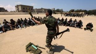 Des soldats rebelles à Benghazi (Libye), le 11 mai 2011.