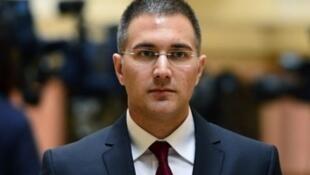 Nebojsa Stefanovic, Ministan Cikin gida da ake zargi ya saci jarabawa