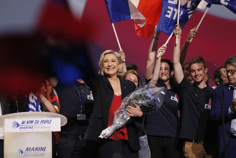Đức lo ngại thắng lợi của bà Marine Le Pen, ứng viên đảng cực hữu Mặt Trận Quốc Gia FN.