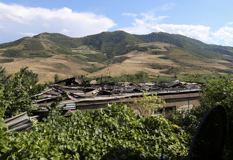 Армянское село Айгепар после обстрела 15 июля 2020 г.