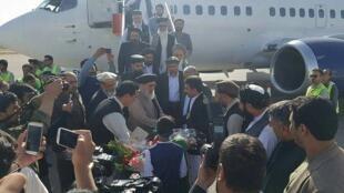 ورود گلبدین حکمتیار رهبر حزب اسلامی افغانستان، به فرودگاه هرات. سه شنبه ١٩ سپتامبر ٢٠۱٧