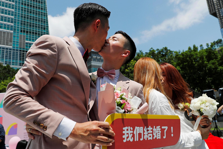 台灣立法院在本月十七日通過一部有關同性戀婚姻的法律 成為亞洲第一個同性戀者可以結婚的國家