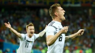 德国队员克洛斯读秒绝杀,德国避免淘汰命运。