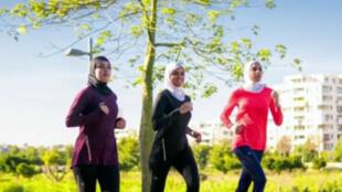 "O ""Hijab para running"" da Decathlon."