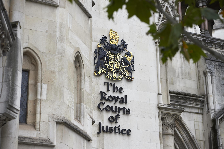 A Alta Corte de Justiça do Reino Unido dá início, nesta quinta-feira, a uma série de audiências em uma ação que contesta o direito do governo de formalizar a saída da União Europeia sem aprovação do Parlamento.