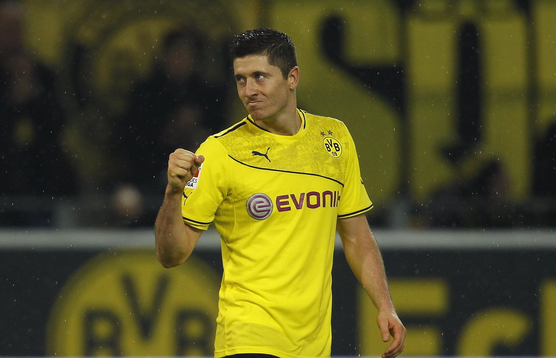 Robert Lewandowski, Dan wasan Borussia Dortmund, wanda ya jefa kwallaye 4 a ragar Real Madrid a gasar zakarun Turai a bara