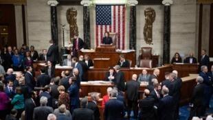 Chủ tịch Hạ Viện Mỹ, bà Nancy Pelosi trong cuộc bỏ phiếu ngày 18/12/2019 tại Washington về việc tiến hành phế truất tổng thống Donald Trump.
