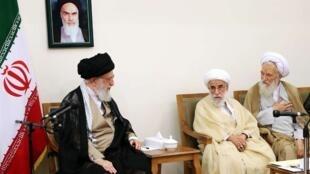 آیت الله خامنهای در دیدار با اعضای مجلس خبرگان