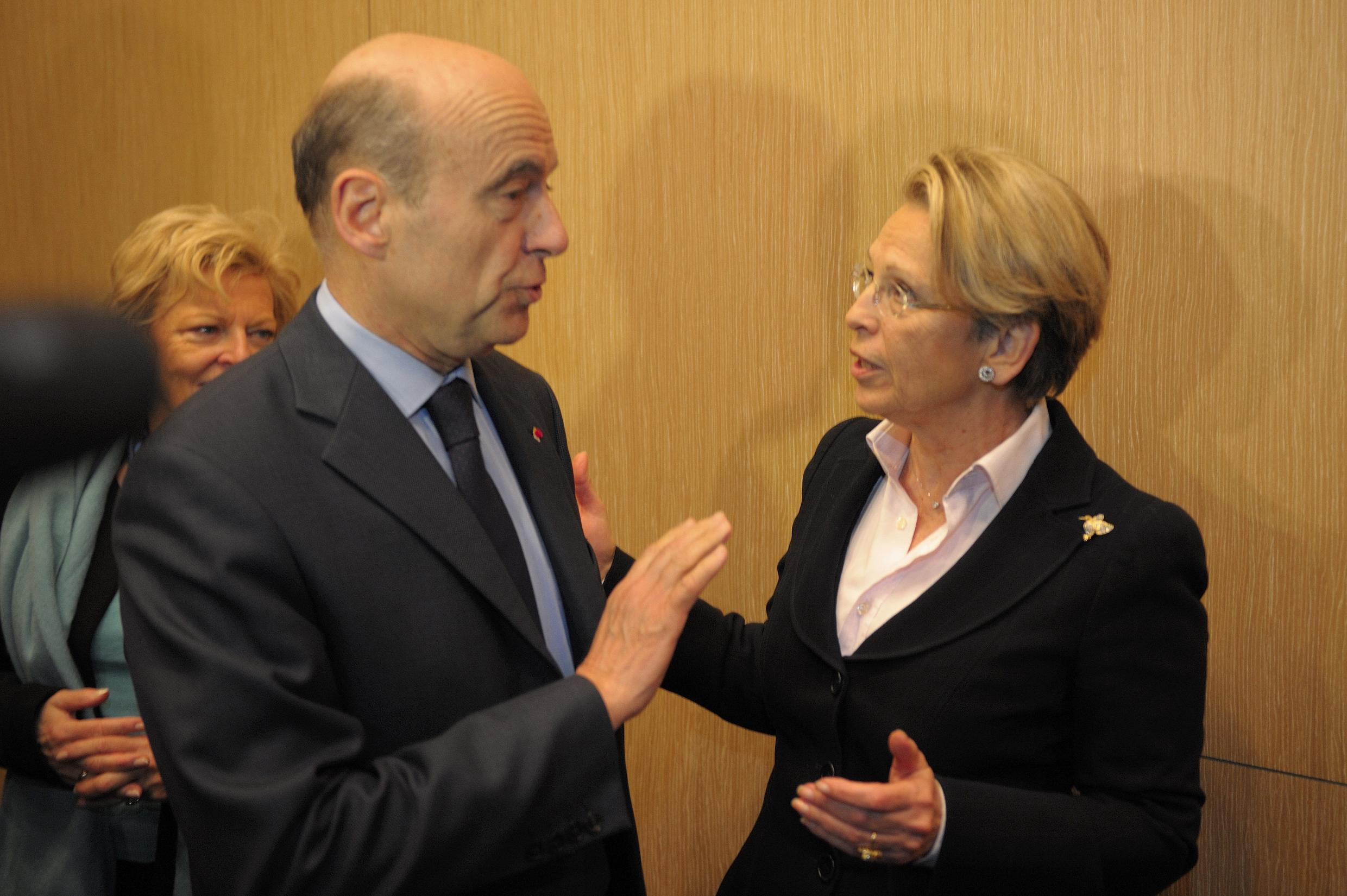 Alain Juppé with much-criticised Foreign Minister Michèle Alliot-Marie