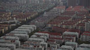图为上海浦东居民一新区