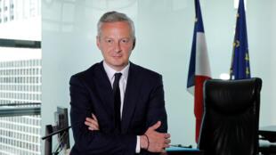 Le ministre français de l'Economie, Bruno Le Maire, dans son bureau au ministère de Bercy, à Paris le 1er juin 2017.