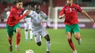 A l'image de Moustapha Diaw (en blanc), la Mauritanie n'a rien lâché devant le Maroc à Rabat.