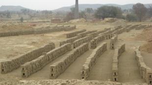 2008年2月,印度旁遮普邦的一家磚廠。