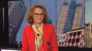 Radmila Sekerinska, la ministre macédonienne de la défense sur le plateau de RFI.