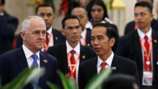 Thủ tướng Úc Malcolm Turnbull (T) và tổng thống Indonesia Joko Widodo tại hội nghị Hiệp hội các nhà lãnh đạo Ấn Độ Dương IORA, Jakarta, Indonesia 07/03/2017.