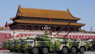 中國軍方東風21D型導彈車資料圖片