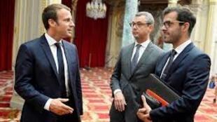 Shugaban Faransa Emmanuel Macron tare da Ismael Emelien mashawarcinsa na musamman da ya yi murabus
