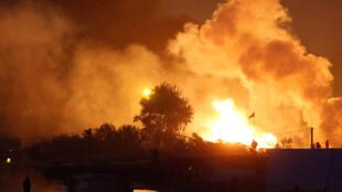 Incêndios provocados por migrantes na selva de Calais