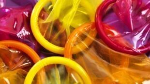 Des préservatifs.