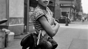 Sin título, 3 de septiembre de 1954. © Vivian Maier / Maloof Collection, Courtesy Howard Greenberg Gallery, New York / Jeu de Paume