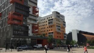 Quartier neuf des Docks à Saint-Ouen (93), sorti de terre en 2015, qui doit compter 6000 logements d'ici 2000.