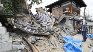 日本地震中受损的寺庙 2018年6月18日