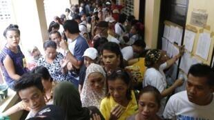Un bureau de vote à Manille, le 13 mai 2013.