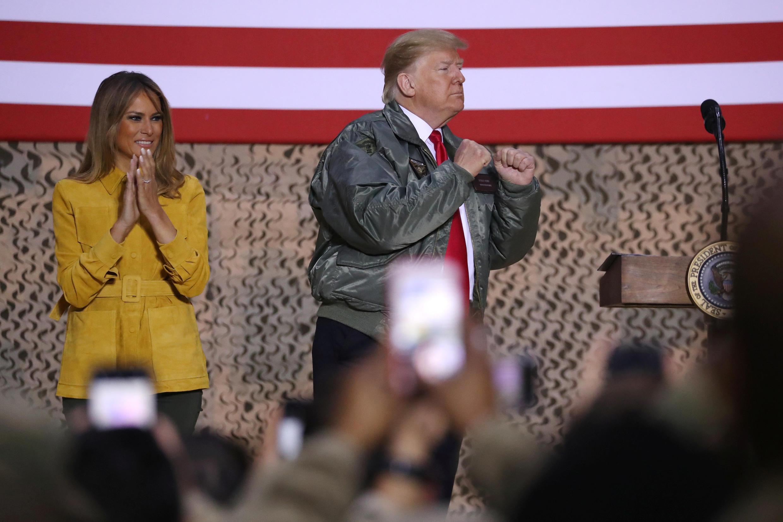 Rais Trump akitoa hotuba kwa askari wa Marekani wa kambi ya wanaanga ya Al-Asad nchini Iraq, Desemba 26, 2018.