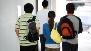 Deux jeunes sur trois dépendent de l'aide de leurs parents (Etude Ipsos) (Image d'illustration).