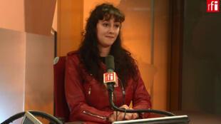 Nora Bussigny, écrivain et assistante d'éducation.