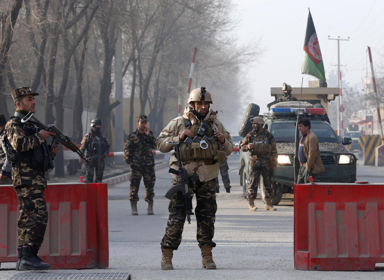 Ataque ocorre uma semana após um atentado contra centro de treinamento militar afegão