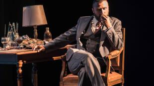Alexandre Brasseur, dans la pièce «Brasseur et les enfants du Paradis» au Théâtre du Petit Saint Martin.
