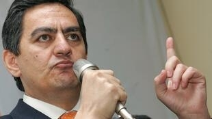 Ali Kerimli, le dirigeant du Front populaire d'Azerbaïdjan, a été arrêté samedi. Ici, pendant une conférence de presse à Baku, le 7 novembre 2005.