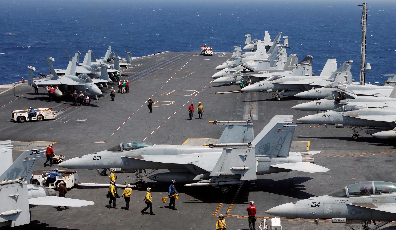 Hàng không mẫu hạm Mỹ USS Carl Vinson đang hoạt động tuần tra trên Biển Đông.
